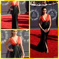Nina Dobrev Red Carpet Dress Sexy Black and Red Deep V-Neck Celebrity Dress Prom Dresses Evening Gown With Slit