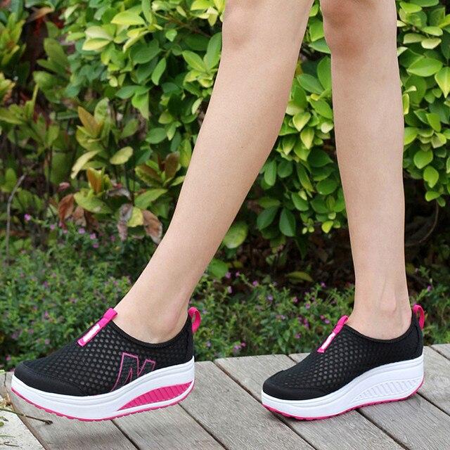 أحذية نسائية جديدة أحذية أنيقة غير رسمية المشي منصة الارتفاع زيادة النساء المتسكعون تنفس شبكة سوينغ أسافين حذاء A30716 6