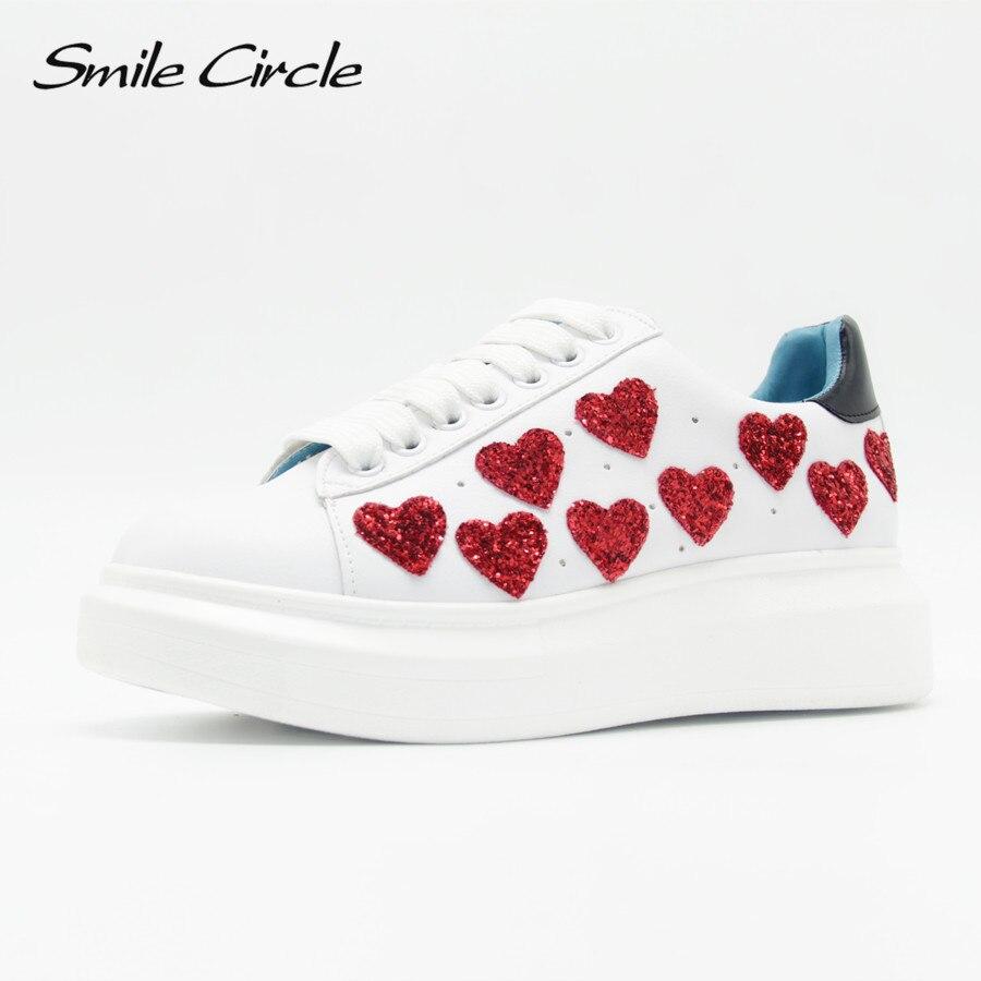 Ayakk.'ten Vulkanize Kadın Ayakkabıları'de Ilkbahar/Sonbahar Kadın platform ayakkabılar Sneakers Moda kalp rahat ayakkabılar Kadınlar Dantel up Düz platform ayakkabılar Kalın alt'da  Grup 1