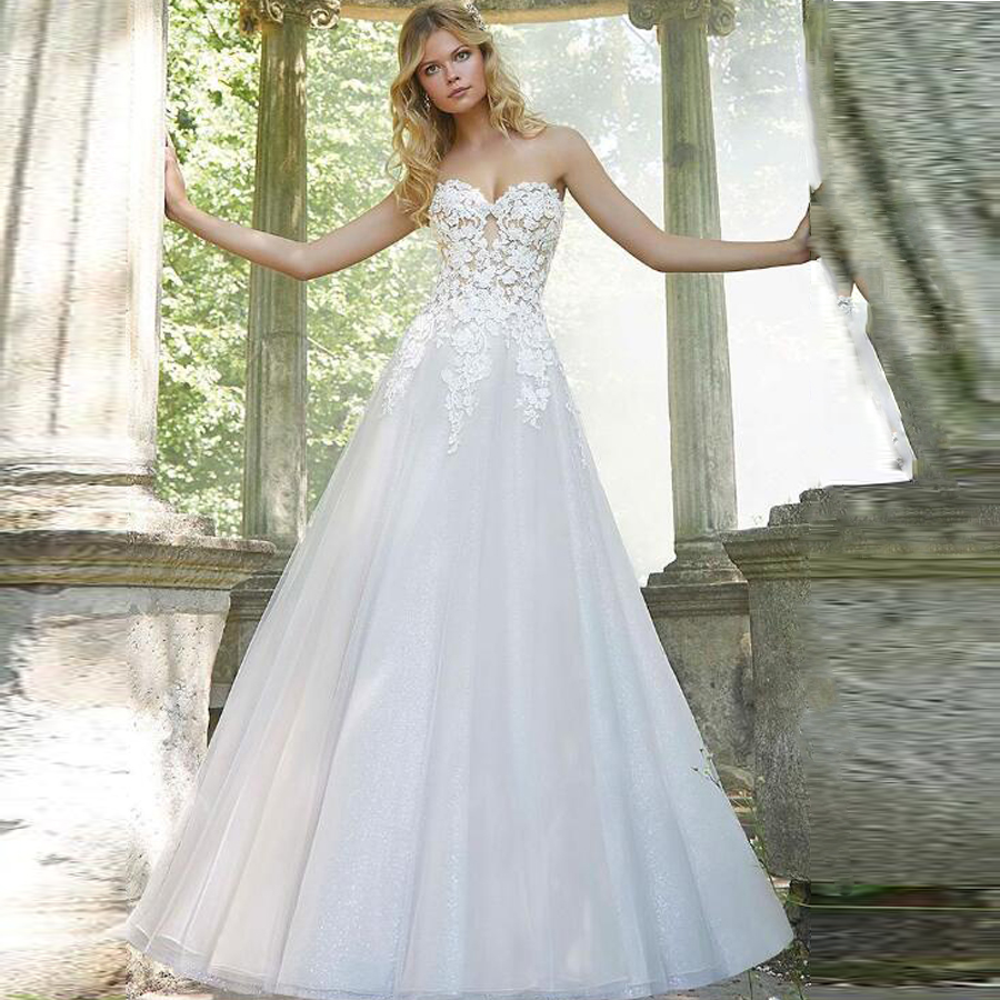 Exquisite Tulle Sweetheart Neckline A-line Wedding Dresses With Lace Applique Button Backless Sweep Train Bridal Dress
