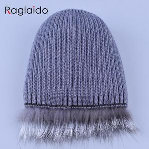 Меховая шапка Raglaido женская