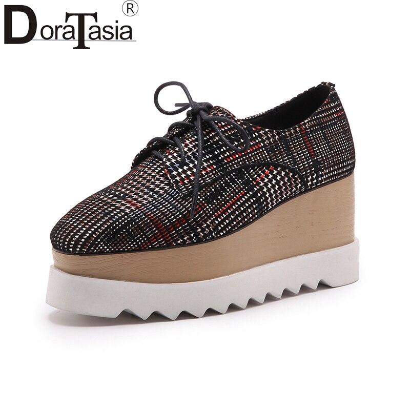 DoraTasia 2018 Малыш Замши Большой Размер 34-43 Женщины Обувь Женщина Зашнуровать Клин Высокие Каблуки Женщины Насосы Обувь