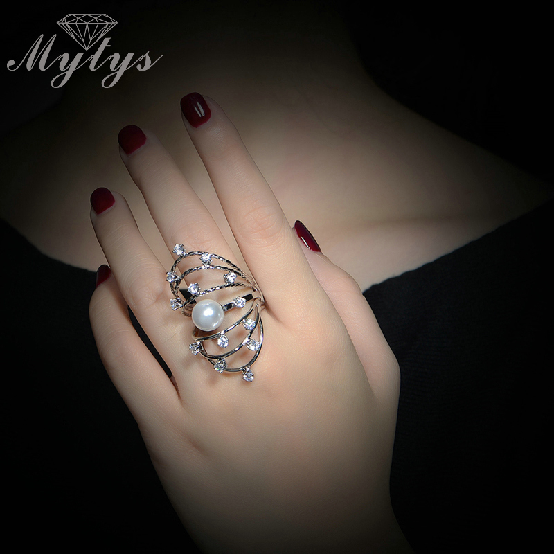 Mytys Creative Multi Layers Flower Heart Pearl Ring Half Finger Ring for Women Crystal Prong Setting R1119
