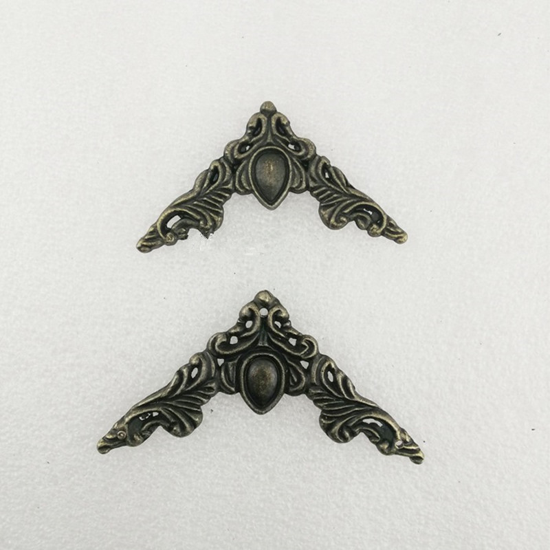 цены на Filigree Alloy Triangle Flower Wraps Cabochon,Ancient Corner,Flatback Heart Embellishments Scrapbooking,Bronze Tone,40Pcs в интернет-магазинах