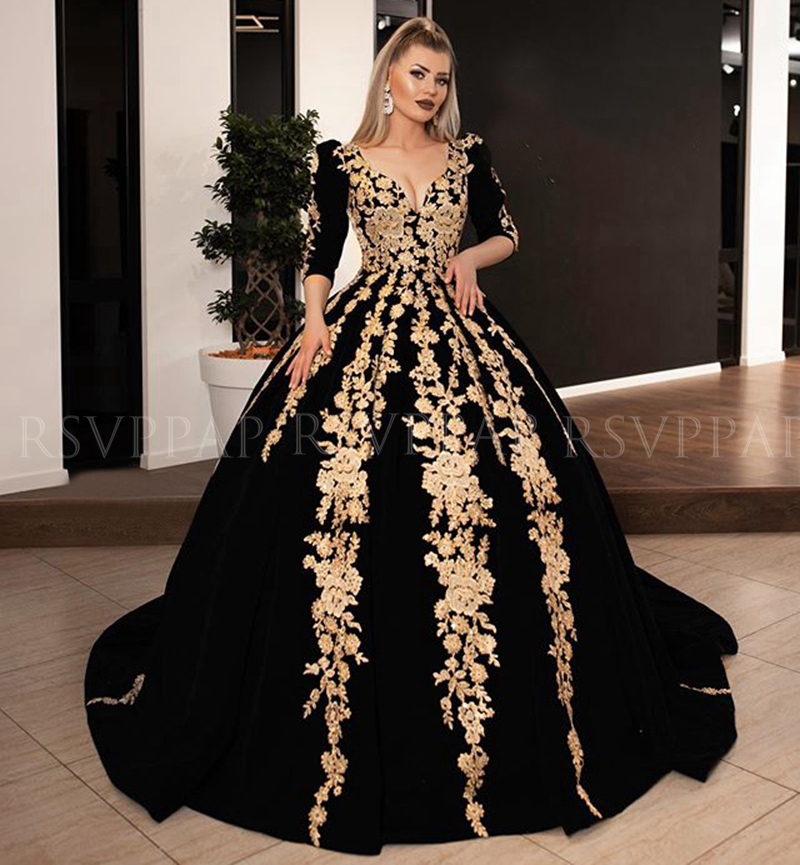 Long Evening Dresses 2020 Gorgeous Ball Gown 3/4 Long Sleeve V-neck Arabic Gold Lace Velvet Black Women Formal Evening Gowns