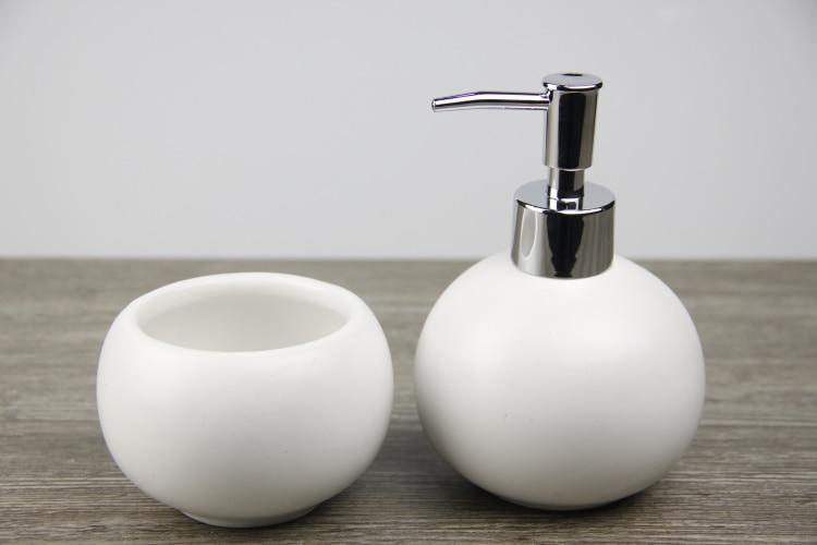 Creative Ceramic Bathroom Accessories Set Hand Washing Liquid Bottle Mouth  Rinse Cup Set Fashion Elegant Simplicity