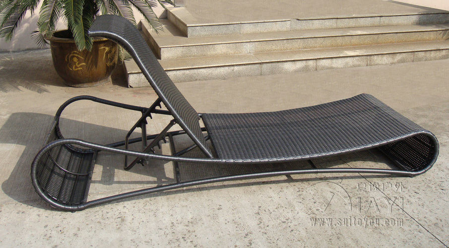 UV Resistant Black Wicker Sun Lounger For Open Air Bar And Cafe transport by sea