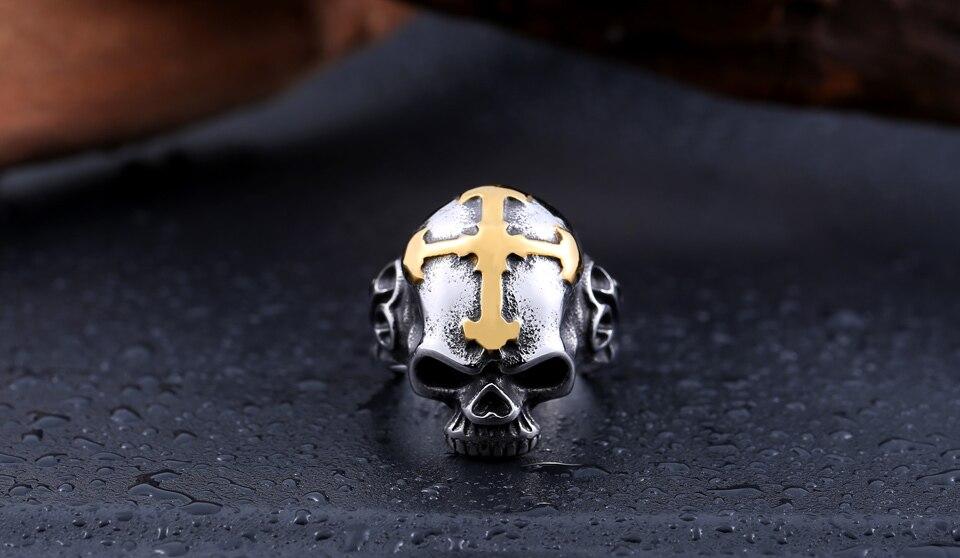 แหวนสวยๆ Code 060 แหวนกะโหลกกางเขน เท่ห์ๆ สแตนเลส1