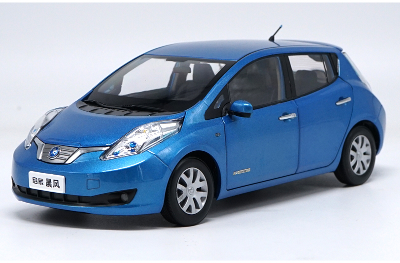 1:18 Diecast Model for Nissan Venucia LEAF Blue Electric Vehicle Alloy Toy Car Miniature Collection Gifts black diecast model car for 1 18 bmw 760li f02 luxury 7 series vehicle miniature toys alloy gifts collection minicar