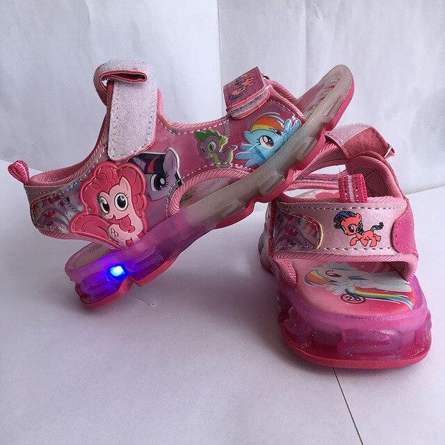 Эльза сандалии Мультфильм светодиодные обувь 2017 лето новый освещенные верховая светодиодные Дышащий милые Летние детские спортивные девушки Сандалии