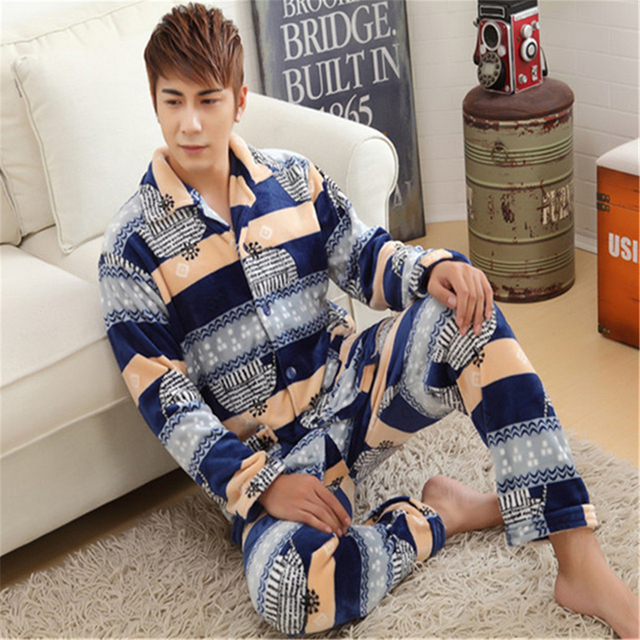 Men Large size pajamas Thickening Luxury and noble Flannel winter Long-sleeved clothing Round neck Button Home service Set