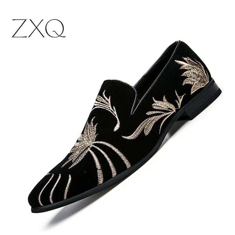 Italienisches Design Herrenschuhe Ledermüßiggänger Männer Casual Wohnungen Schuhe Schwarz Stickerei Blume Mokassins Kostenloser Versand Größe 38-43