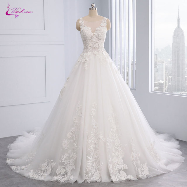 9e0ea935c09f2 US $275.88 24% OFF Waulizane Shiny Embroidery Tulle Ball Gown Wedding Dress  Appliques Lace Natural Waist Floral Print Bridal Gown 2018 Hot Sale-in ...