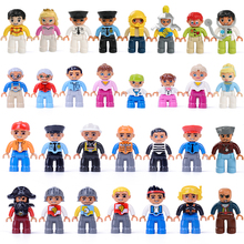 купить Big Size Figures Building Blocks Family Worker Police Character Educational Toys for Children Best Gift по цене 81.18 рублей