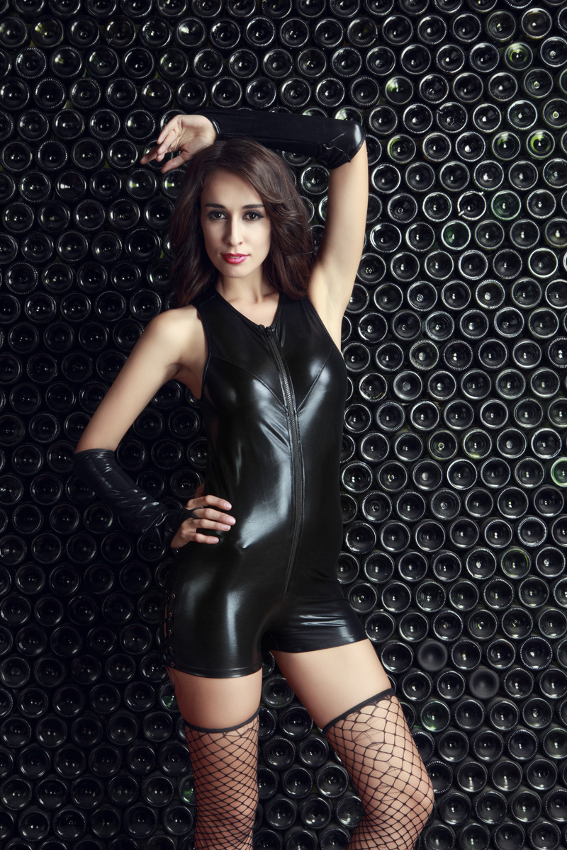 Women's Clothing Temperate 2017 Black/red/rose Red Bright Color Faux Leather Bodysuit For Women Erotic Zipper Front Sleeveless Jumpsuits Night Clubwear