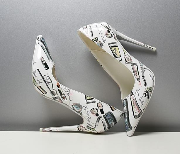 Nouveau Super Printemps Taille Sur Pompes Slip 45 Pointu Talon Haute 43 44 Blanc Grande Mode Chaussures Décontracté Pour Bout Femme Graffiti Sexy Avec dqFx0w