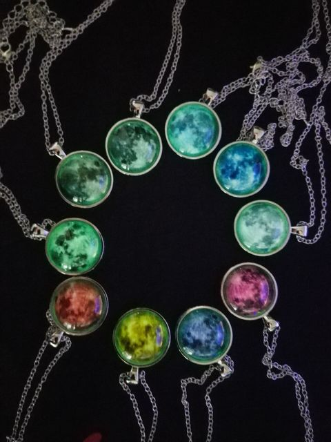 2017 New Arrival Glowing Jewelry Full Moon Necklace Handmade Glass Dome Lunar Eclipse Necklace Glow in the dark Pendant Jewelry 4