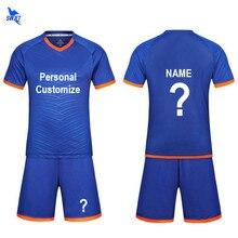 Nuevo 2018 para Personal de fútbol conjunto niños diseño personalizar  uniforme de fútbol Kits de fútbol equipo juegos de entrena. 616e50fcc8c56