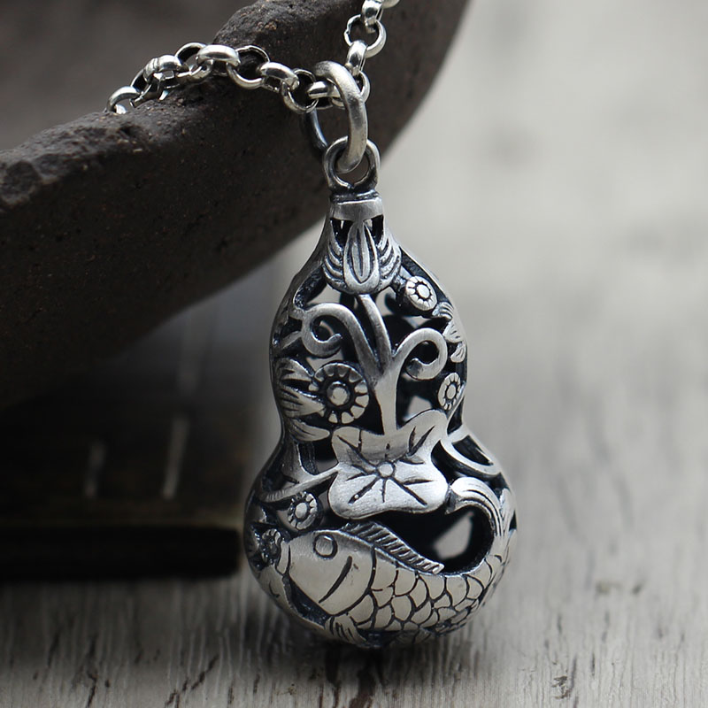лучшая цена S990 Silver Jewelry Vintage Old hollow lotus fish folk style sweater chain Pendant Silver Pendant personality