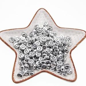 Круглые акриловые бусины CHONGAI, круглые серебряные бусины в форме букв, один алфавит, 100 шт., 4*7 мм