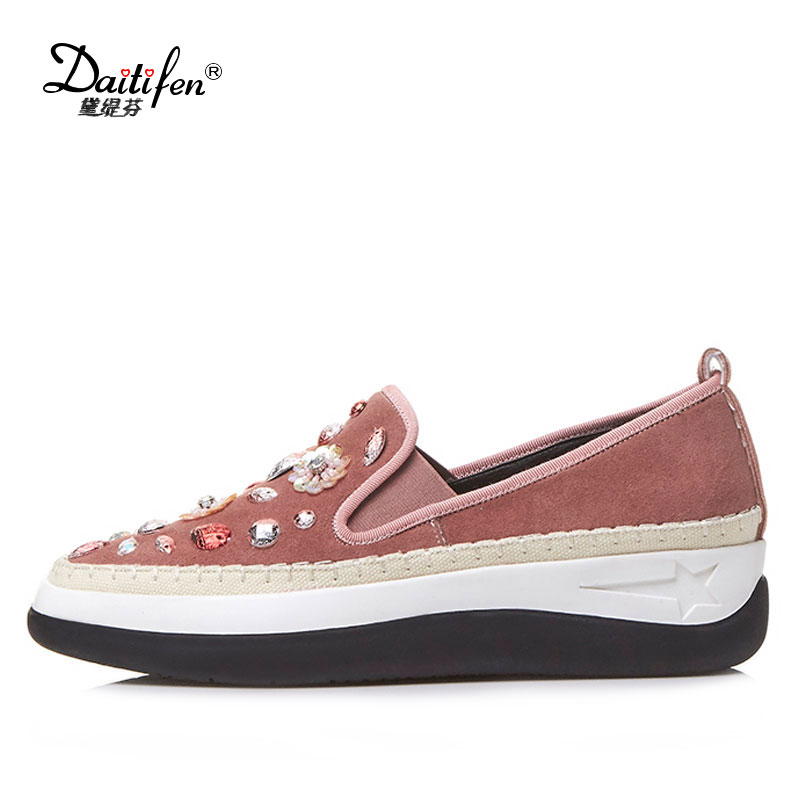 Daitifen Brand Ladies flats Women moccasins Shoes 2018 New Fashion rhinestone Suede Casual Flat heel Womens Platform loafers 34 43 big small size new 2016 summer fashion casual shoes moccasins bottom shoe platform flat for women s loafers ladies