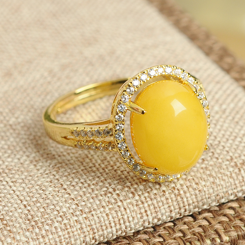 High-grade 925 silver inlaid honey wax Egg face ring genuine natural yellow honey amber ring retractable ring female models