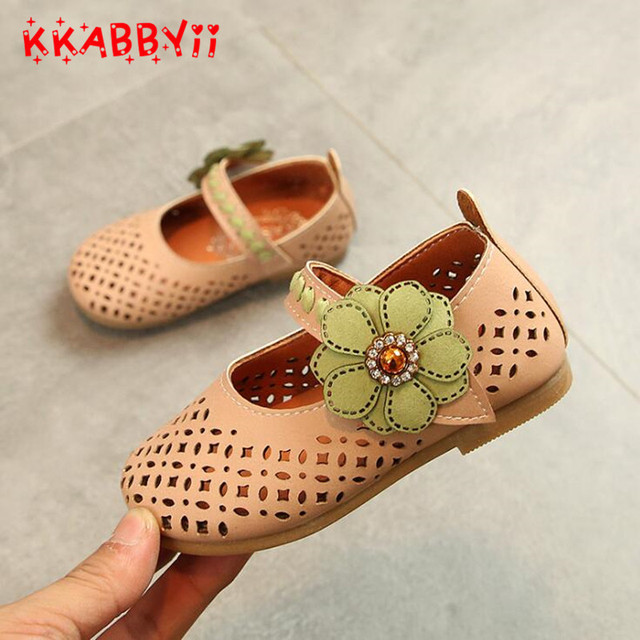 fc0b536ba3b Girls sandals New Summer Toddler Girls Princess Hollow Out Flower Sandals  Flat Shoes Fashion Children Shoes Kids Leather Shoes