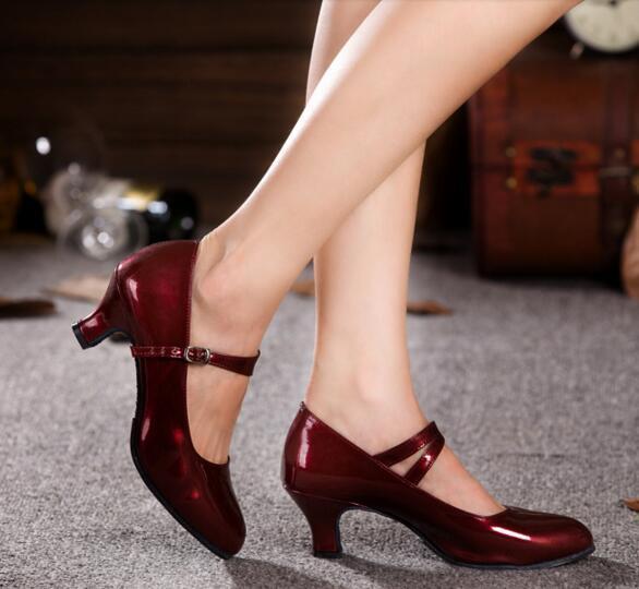 Vestido de cuero de patente de la manera mujeres de carrera de la oficina de señora zapatos de baile Latino de jazz zapatos 5.5 cm de tacón cuadrado