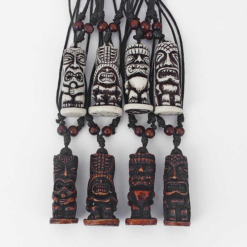 1 ピースブラウン/ホワイト部族フェイクヤクの骨彫ティキマントーテムペンダントネックレスブラックワックスコットンコードジュエリー