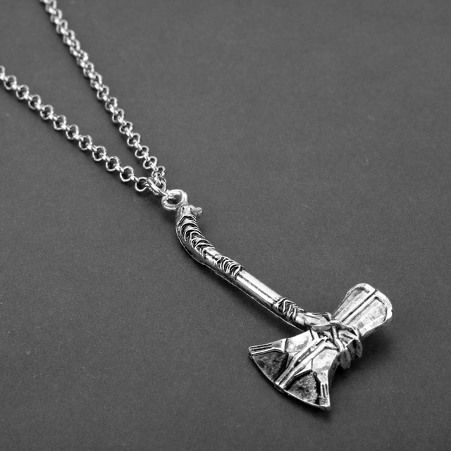 Collier Thor hache  2