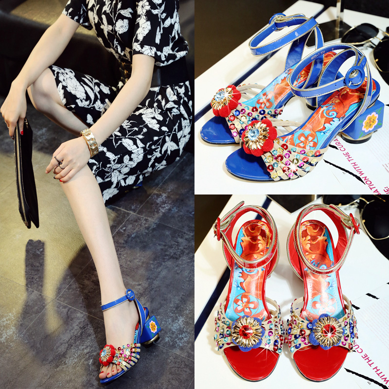 New sandals female summer beautiful flowers blossom high heels retro color painted with the single buckle with sandals tide sweet high heels sandals beautiful