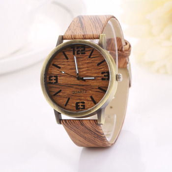 Vintage Quartz Wooden Leather Strap Watch