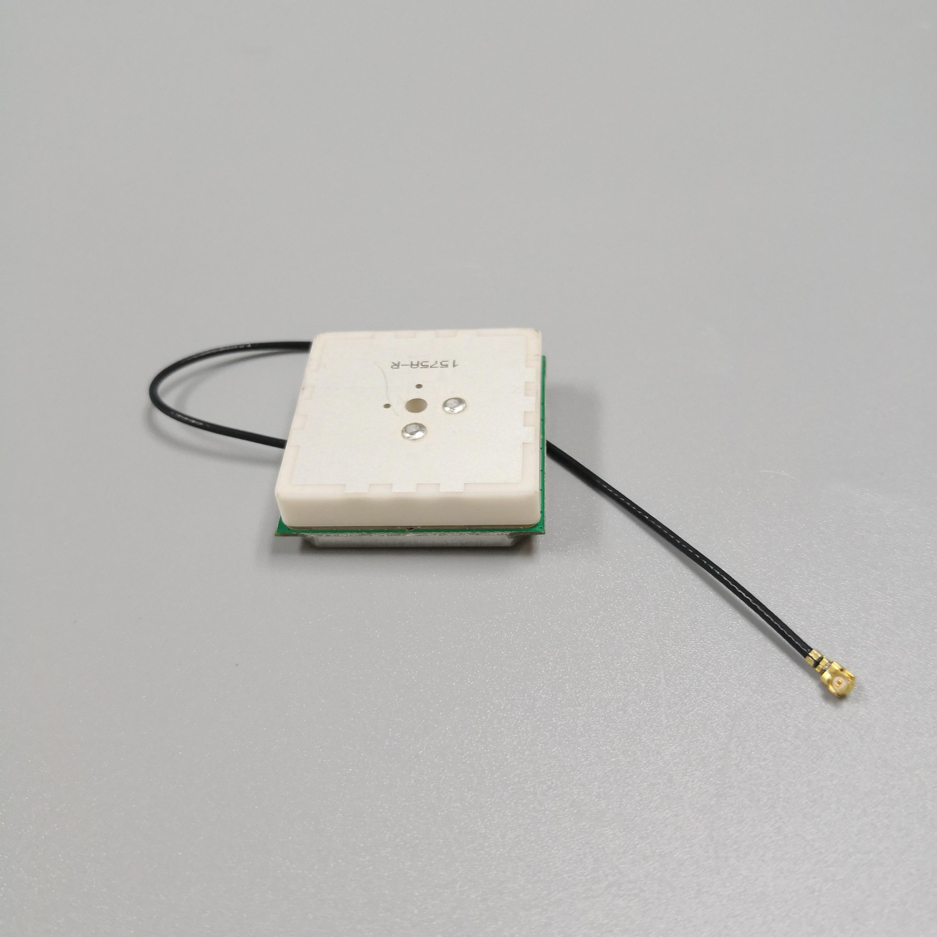 RTK High-quality GPS Antenna 38DB High-gain High-precision Positioning GNSS Antenna,GPS GLONASS, BEI DOU Three System