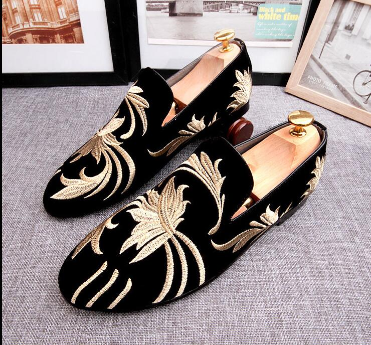 New 2018 Cozy Leisure Shoes Slip on Embroidery Loafers Shoes High Quality Mens Wedding Groom Shoes Man Casual Driving Shoes Flat