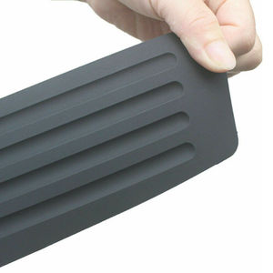 Image 3 - 1x רכב אחורי פגוש כיסוי מדבקת רצועת מגן תא מטען אדן שפשוף צלחת משמר רכב חוץ חלקי סטיילינג Mouldings