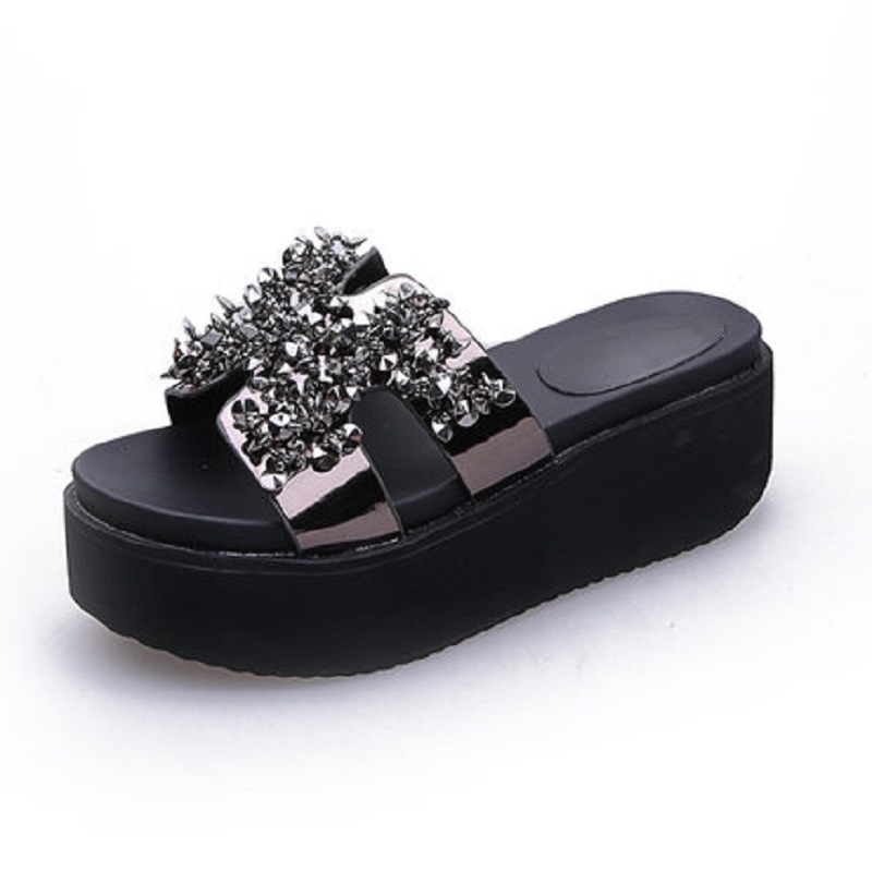c827d7e93fa4c Slippers female summer sponge cake thick bottom seaside fashion rhinestone beach  shoes.