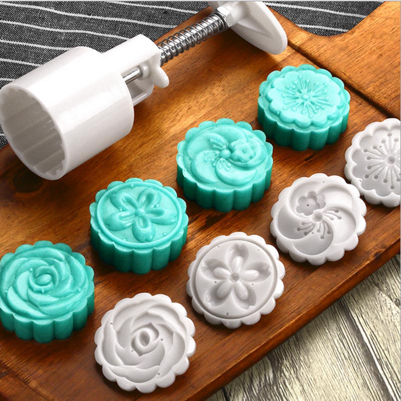 How To Use Moon Cake Mold