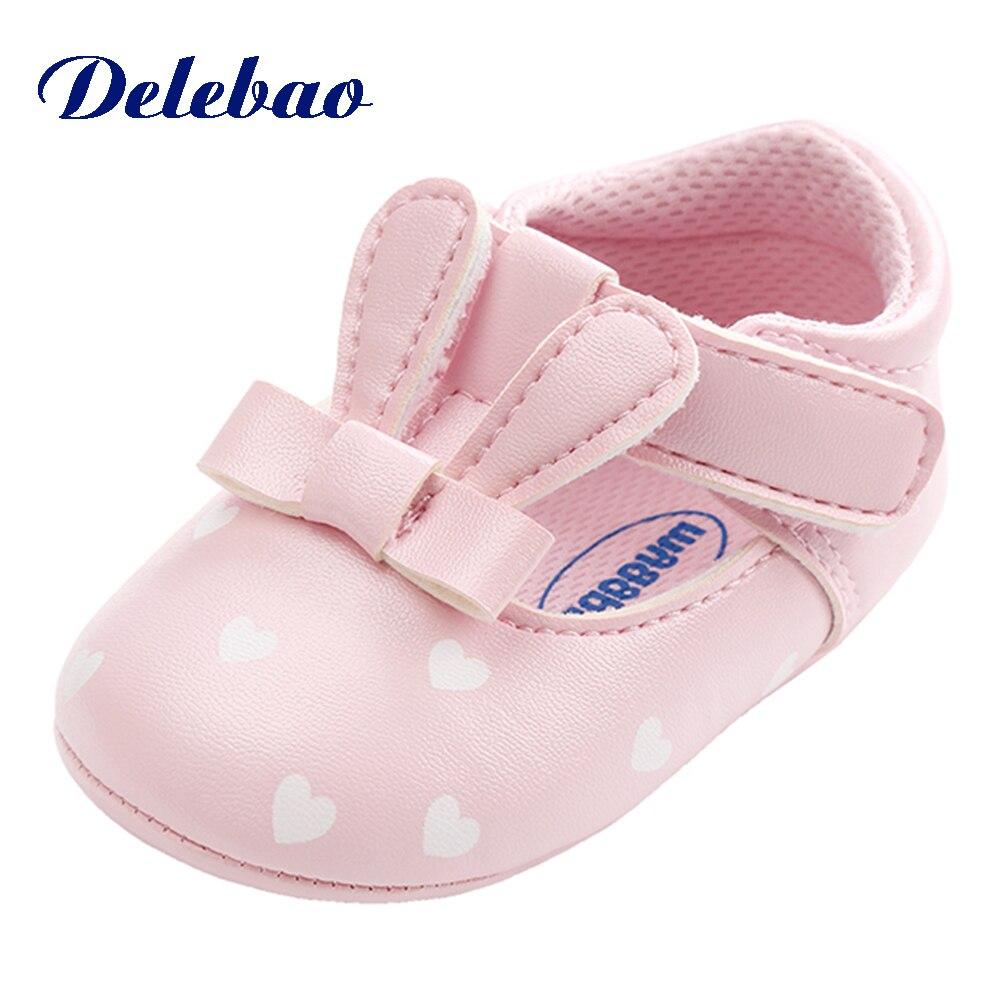 Delebao Новая мода слова милый кролик ПУ детская обувь первые ходоки для маленьких мальчиков повседневная обувь для 0-18 месяцев