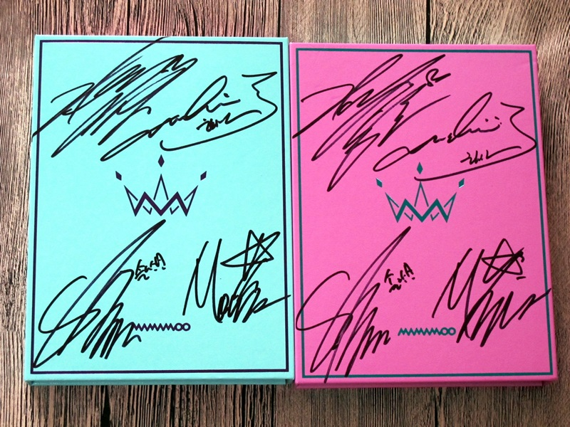 MAMAMOO autographed 2017 mini5th album PURPLE CD korean +signed poster 072017 deep purple deep purple stormbringer 35th anniversary edition cd dvd