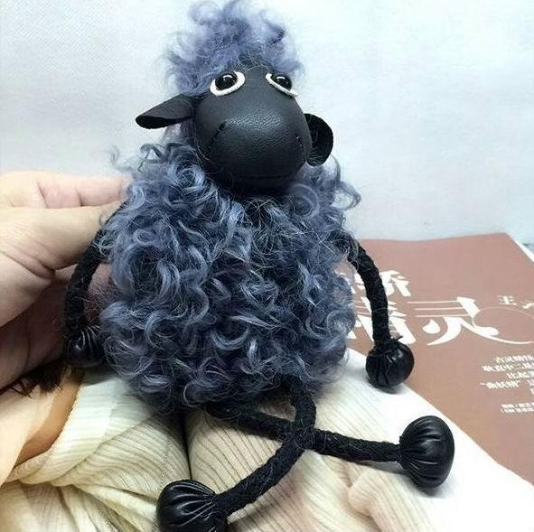 Cute Sheep Genuine Real Leather Lambswool Keychain Animal Key Chain Women Bag Charm Pendant Accessories