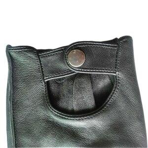 Image 5 - Alta qualidade preto homem luvas de couro genuíno antiderrapante luvas metade dedo couro de ovelha luvas sem dedos gants moto l01