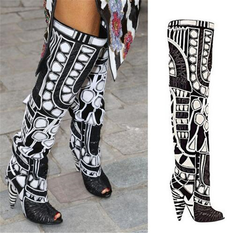 Rihanna Black White Open Toe Summer Motorcycle Women Boots Over Knee High Gladiator Sandals Boots Spike High Heels Shoes Woman цены онлайн