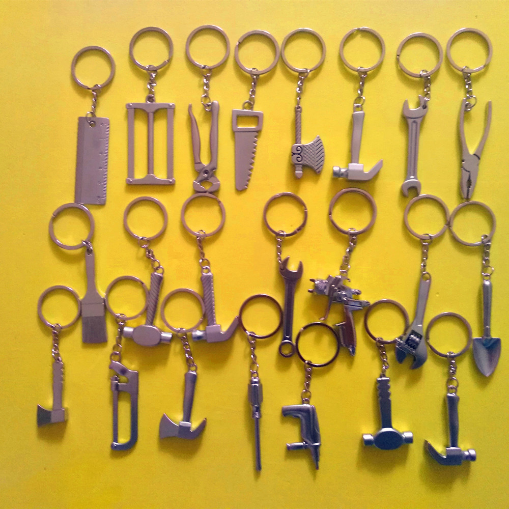1 Pcs 22 Styles brush/Wrench/Saw/ruler/hammer/shovel/axe/pliers/screwdriver/Electricity Drill/water gun Keychain tool keychain