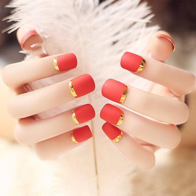 New Lady Fire Red Matte Fake Nails Faux Ongles Metallic Gold French False Nail Tips Short
