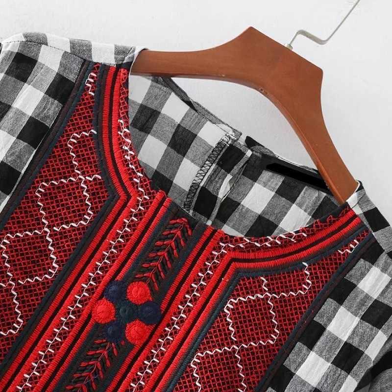 TWOTWINSTYLE 刺繍チェック柄パッチワークの女性のシャツブラウス長袖ルーズは女性カジュアル服 2019 春のファッション