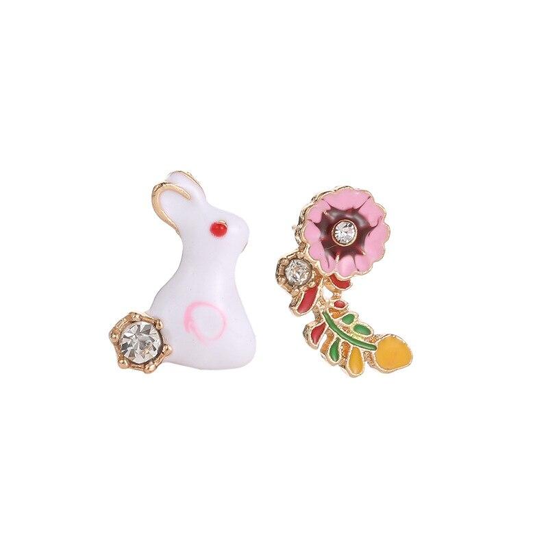 4ab9ff24ebdb Joyería de moda esmalte lindo conejo blanco flores Gem asimetría Stud  pendientes para las mujeres 2019