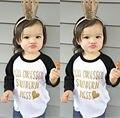 Niño de Los Cabritos Bebés Ropa de Las Muchachas Tops Impresa Letra Del Verano Ocasional de Manga Larga T-shirt Tops Ropa de La Muchacha 0-5 T