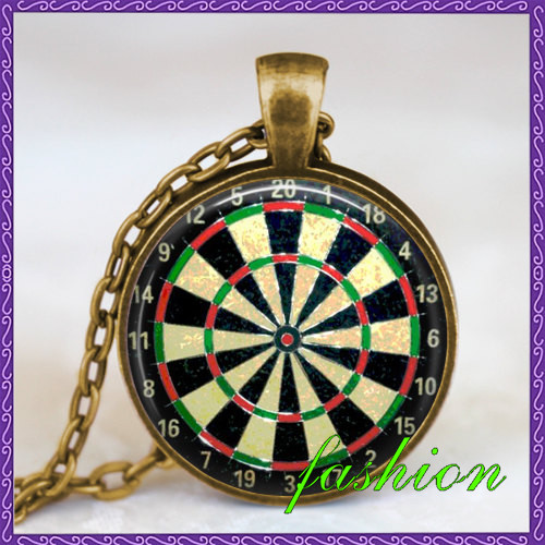 Vintage dartboard black red necklace dartboard jewelry dartboard pendant dart target game necklace dart sports pendant pingentes