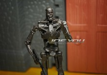 Limited! 10CM High Classic Toy PTI Terminator T-800 frame / black version action figure Toys
