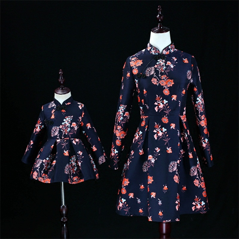 цены Autumn Winter thick family look women 3XL baby kids girls 1Y-16Y Chinese style Improved cheongsam dress mother daughter dresses